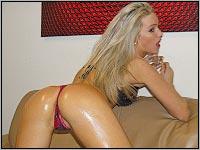 Camsex Show - Blondine in Öl
