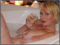 Camsex Show - Girl in der Badewanne