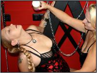 Camsex Show - Lesben bei Wachsspielen